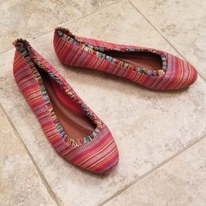 MIA Great Cond Red Multi Color Fabric Ballet Flats